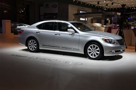 Lexus LS 460 2008 Technical specifications | Interior and