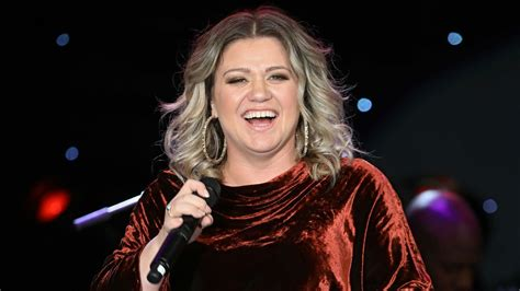 Listen to Kelly Clarkson's Stunning Rendition of 'Never