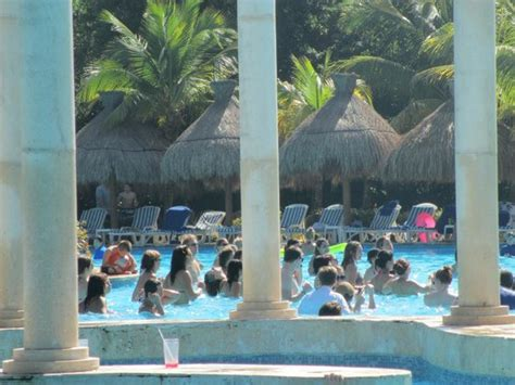 Zumba at the beach - Picture of Iberostar Paraiso Del Mar