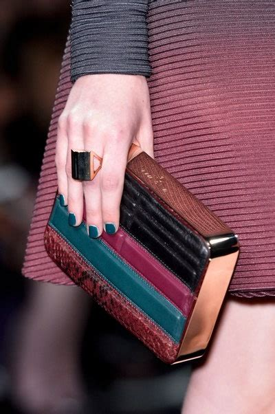 Nail Color Ideas: How to Match Your Nails to Your Purse