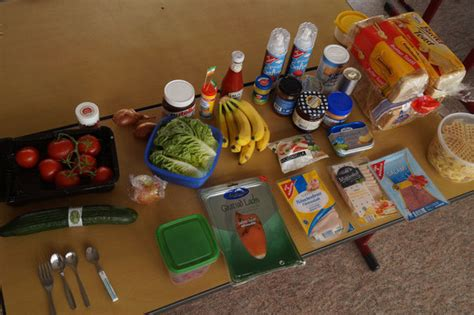 2016 Party food from across the world - anne-frank-schule