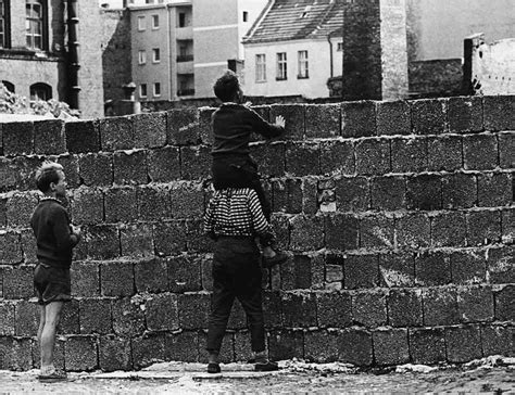 Berlin Wall: A Short History | A Science Periodic